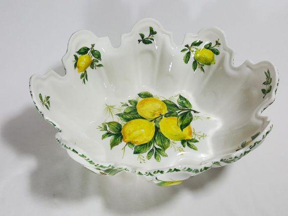 Ceramiche Barettoni Nove - COPPA IN CERAMICA DECORATA CON LIMONI, CENTROTAVOLA, FRUTTIERA E SOPRAMMOBILE
