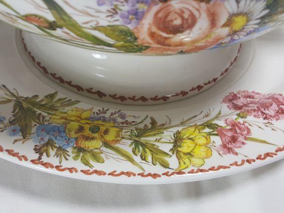 Ceramiche Barettoni Nove - ZUPPIERA IN CERAMICA DECORATA A MANO CON FIORI NOVE, PEZZO UNICO