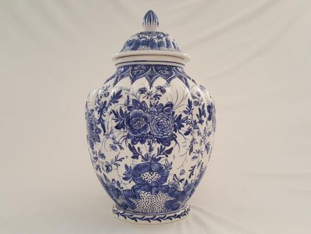 CERAMIC VASE WITH LID, FURNISHING DELFT BLUE DECORATED