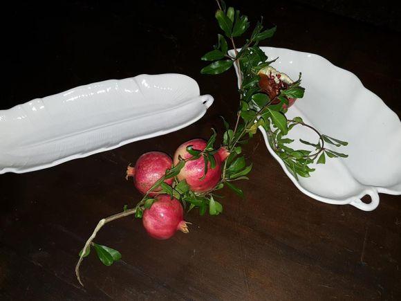 Ceramiche Barettoni Nove - VASSOIO A FOGLIA DI BANANA IN CERAMICA BIANCA