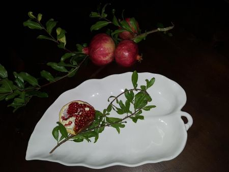 WHITE CERAMIC LEAF TRAY