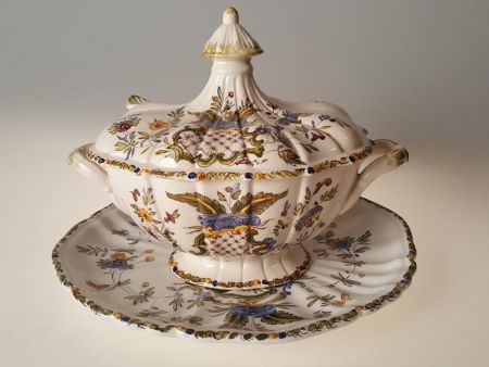 DECORATED SOUP-TUREEN
