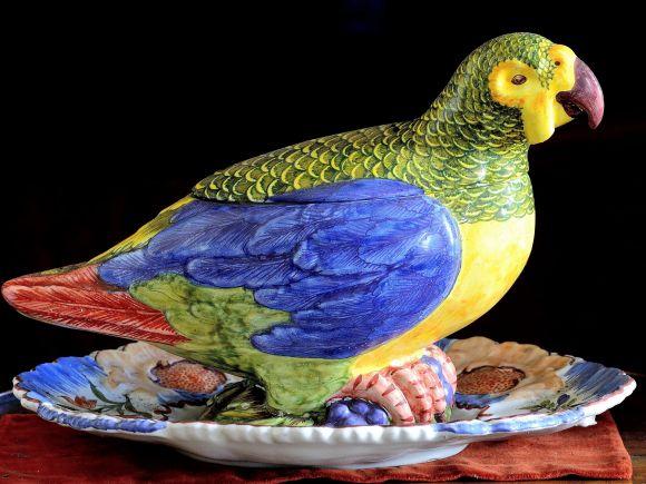 Ceramiche Barettoni Nove - ZUPPIERA A PAPPAGALLO IN CERAMICA DECORATA A MANO PEZZO UNICO